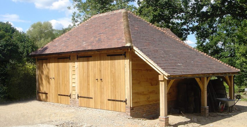 Oak framed garages with doors